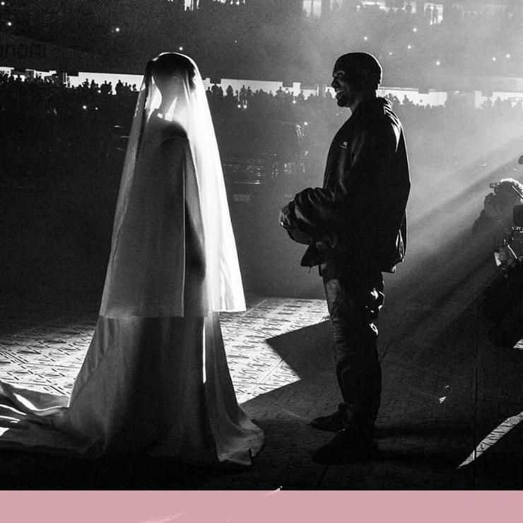 Ким Кардашьян снова в свадебном платье. Что это значит? – Oh My Wed Day